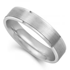 Flat Court Wedding Ring With Stepped Edge