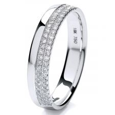 Micro Set 4mm Off Set Diamond Ring